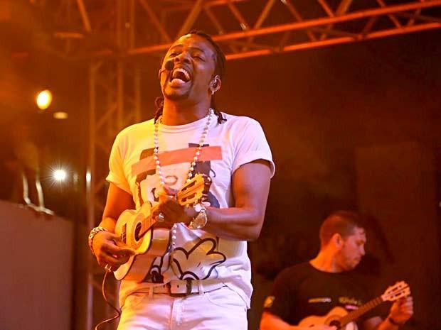 O vocalista Xande de Pilares, que anunciou que vai deixar o grupo Revelação (Foto: Paulo Cavera/Divulgação)