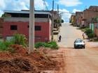 Após risco de desmoronamento, rua de Nova Serrana recebe melhorias