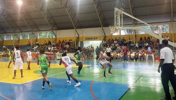 Venceslau e Santo André se enfrentaram nesta terça-feira (10) pela LBF (Foto: Katiuscia Reis / TV Fronteira)