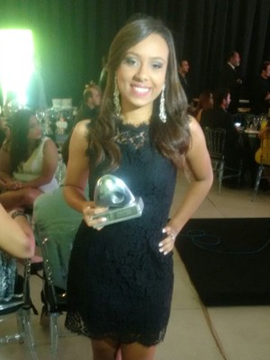 "Jéssica Balby foi premiada na categoria ""Jovens Ideias"" (Foto: Michel Sousa/ G1)"