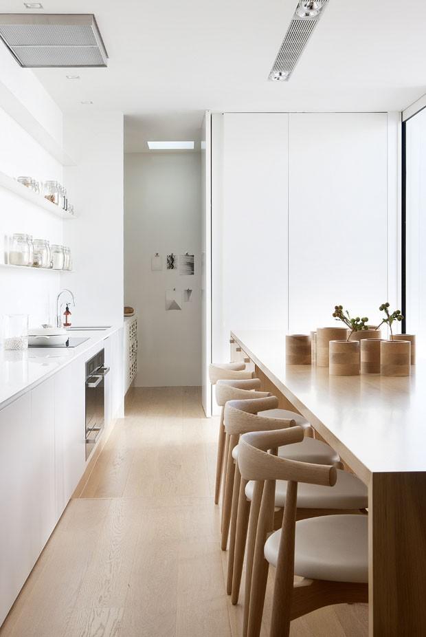 Casa minimalista com toques de aconchego casa vogue casas for Casa minimalista interior cocina