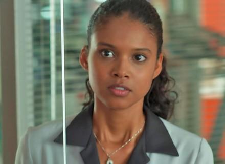 Joana decide contar a verdade para Caio e Ricardo