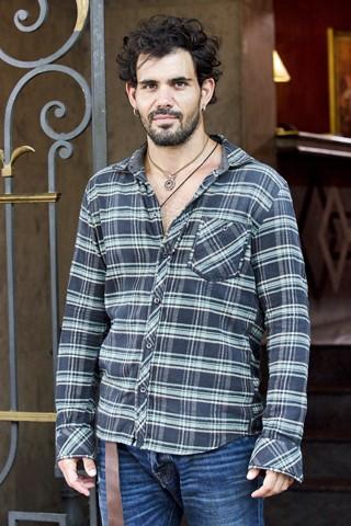 Juliano Cazarré vive Ninho na nova novela da Globo das 9, Amor à Vida (Foto: Bob Paulino/Rede Globo)