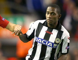 Willians na partida do Udinese (Foto: Getty Images)