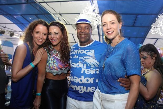 Dani Barros, Viviane Araújo, Aílton Graça e Leandra Leal na quadra da Portela na Zona Norte do Rio (Foto: Claudio Andrade/ Foto Rio News)