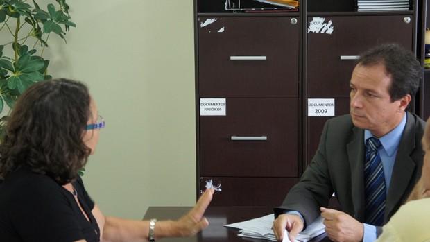 Socorro Leite (FPF) e Watteau Rodrigues (presidente do Auto Esporte) (Foto: Rammom Monte)