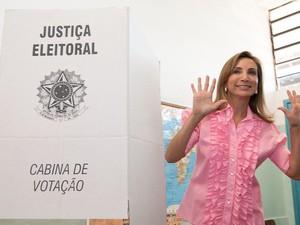 Dárcy Vera (PSD) vota em Ribeirão Preto (SP) (Foto: Érico Andrade/G1)