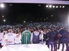 Fãs, amigos e familiares celebram a missa de 7º dia de Cristiano Araújo