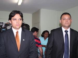 Delegados Humberto Mácola e Riedel Batista (Foto: Ellyo Teixeira/G1)