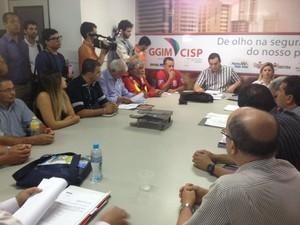 Reunião do Comut sobre aumento da passagem de ônibus em Caruaru (Foto: Divulgação/ AETPC)
