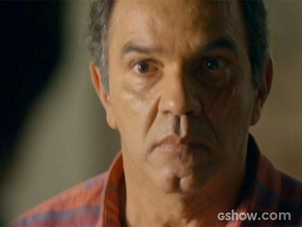 Virgílio tem um acerto de contas com Laerte (Foto: Em Família/TV Globo)