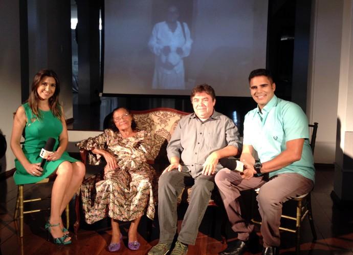 Maria da Inglaterra e José Dantas em papo com Helder Vilela e Simone Castro (Foto: Gshow/Rede Clube)