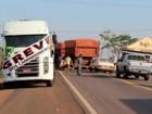 Caminhoneiros devem liberar veículos de frigorífico em BRs de MT