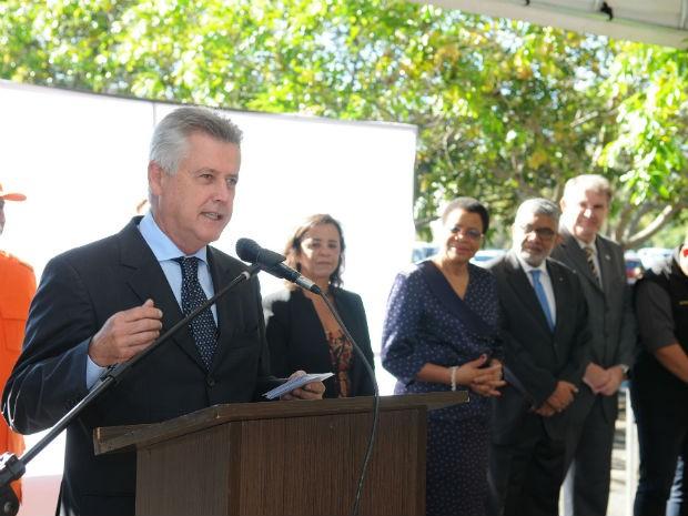 Governador do DF, Rodrigo Rollemberg discursa durante assinatura de acordo pela paz (Foto: Dênio Simões/GDF)