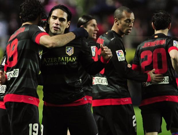 falcao garcia atletico de madrid x Sevilla  (Foto: AFP)