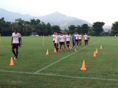 Flamengo treino Ninho (Foto: Ivan Raupp / GloboEsporte.com)