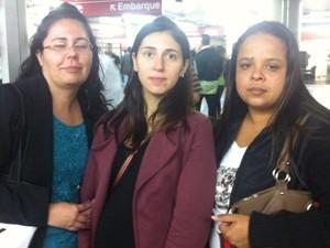 As advogadas Simone Ino, Carolina Casagrande e Analu Santos que usaram três ônibus para ir do Itaim Bibi ao Tucuruvi (Foto: Roney Domingos/ G1)