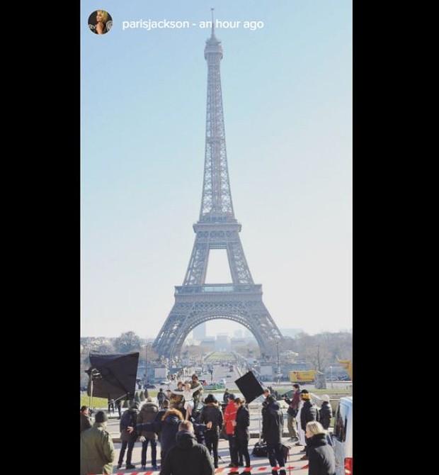 Paris Jackson nos bastidores de shooting da Chanel, em Paris (Foto: Reprodução/ Instagram)
