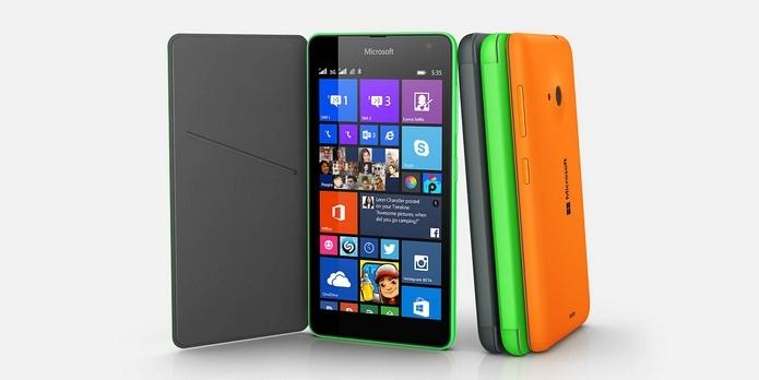 Lumia 535 tem traseira nas cores branco, preto, verde, laranja, azul e cinza (Foto: Divulgação/Microsoft)
