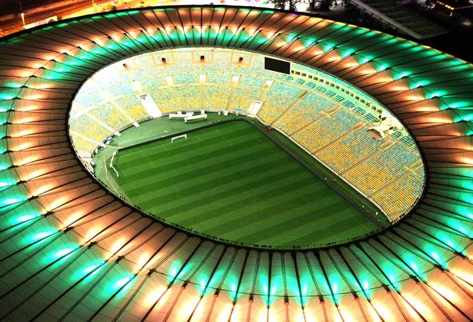 Maracanã iluminado de verde e amarelo (Foto: Genilson Araújo / Agência O Globo)