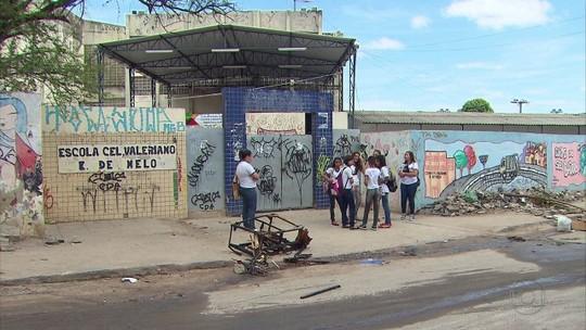 Assaltantes invadem escola em Olinda e levam celulares de alunos e professores