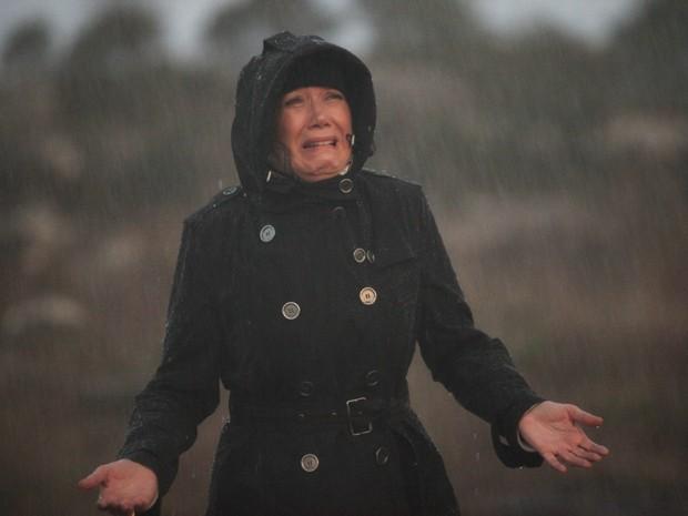 Maria Marta enfrenta tempestade (Foto: Carol Caminha/TV Globo)