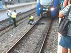 Vídeo mostra resgate de homem que caiu em linha férrea do RJ