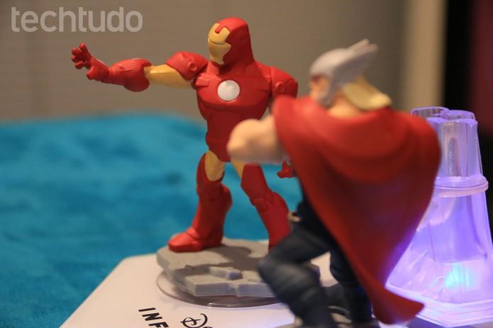 Os Vingadores de Disney Infinity 2.0 fazem sucesso pela beleza dos bonecos (Foto: Lucas Mendes/ TechTudo)