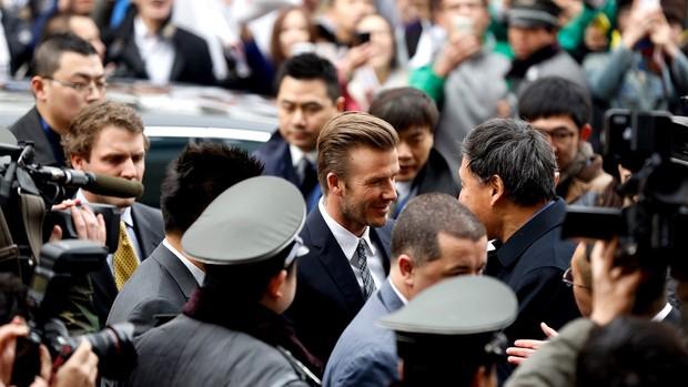 David beckham visita o clube Beijing Guo'an, na China (Foto: Agência Getty Images)