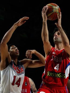 teodosic  anthony davis eua x servia basquete (Foto: Reuters)