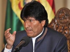 O presidente da Bolívia, Evo Morales, dá entrevista nesta quarta-feira (28) em La Paz (Foto: AFP)