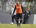 Danilo acerta renovação de contrato com Corinthians por mais um ano
