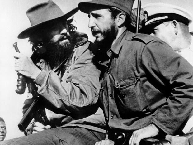 Camilo Cienfuegos era um dos colaboradores mais próximos de Castro (Foto: Prensa Latina/AFP)