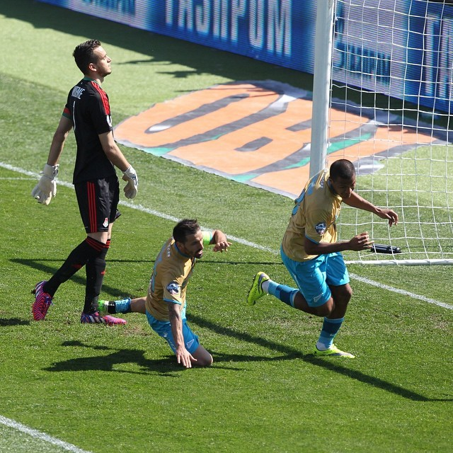 Rondon marca o gol do Zenit diante do Lokomotiv