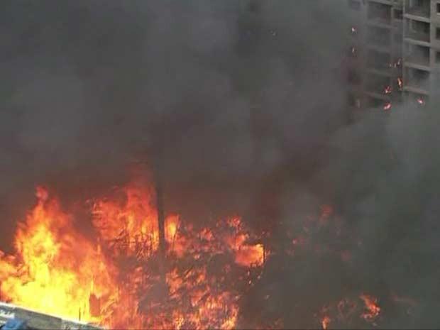 Incêndio em favela na Penha (Foto: Reprodução/TV Globo)