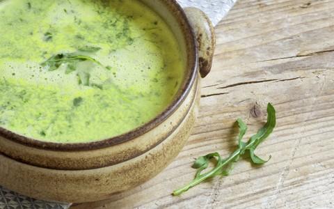 Sopa de folhas verdes