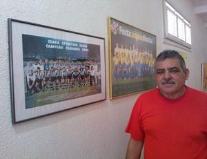 morador benfica torcedor brasil (Foto: Juscelino Filho)