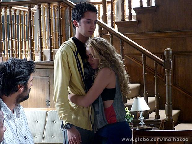 Meg pede a compreensão de Ben, mas o garoto fica muito mal (Foto: Malhação / TV Globo)