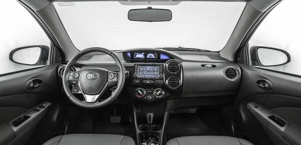 Toyota_Etios_Platinum_2017 (Foto: Divulgação)