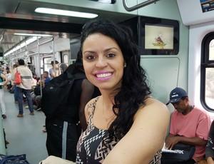Amanda Ribeiro trem (Foto: Cassius Leitão)