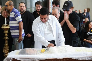 Agnaldo Timóteo no velório de Cauby Peixoto (Foto: MANUELA SCARPA /BRAZIL NEWS)