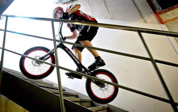 Krystian Herba recorde bicicleta escada China (Foto: EFE)