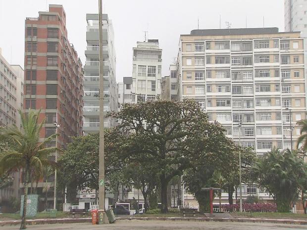 Prédio torto em Santos (Foto: Reprodução/TVTribuna)