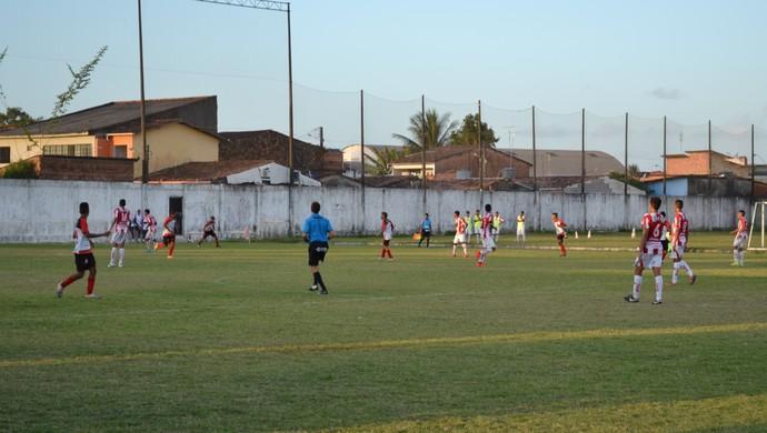 CRB e Flamengo, alagoano sub-17 (Foto: Jota Rufino/GloboEsporte.com)