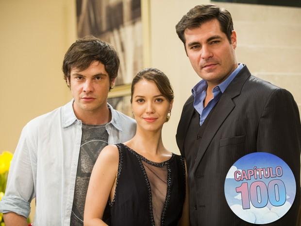 Laura, Caíque e Marcos formam o triângulo amoroso principal da novela (Foto: João Miguel Júnior/ TV Globo)