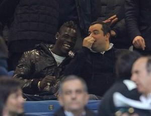Balotelli com o empresário Mino Raiola (Foto: Divulgação)