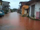 Temporal em municípios da BA alaga ruas e afeta rotina de moradores