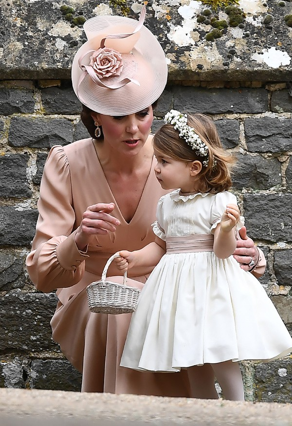 Kate Middleton com a filha Charlotte (Foto: Getty Images)