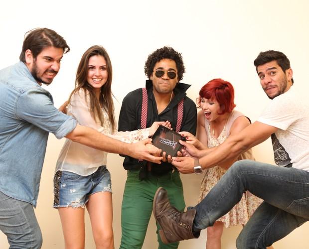 Participantes disputam para navegar no aplicativo (Foto: Isabella Pinheiro/ TV Globo)