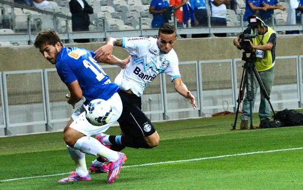 Lucas Silva Cruzeiro x Grêmio (Foto: Bruno José / Futura Press)